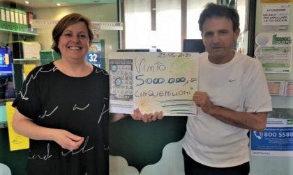 """Incredibile vincita a Calusco d'Adda: cinque milioni di euro con un """"Gratta e vinci"""""""