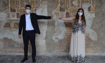 """Sposi al tempo del Covid: """"Ci siamo detti """"Sì"""" in mascherina"""""""