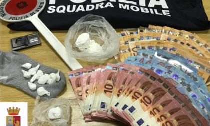 Via vai di clienti in via Piave, spacciatore arrestato dalla Polizia