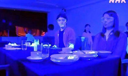 Scordatevi il buffet: l'esperimento giapponese sul rischio contagio da coronavirus