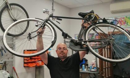 Niente bonus bicicletta? Matteo s'inventa il market dell'usato