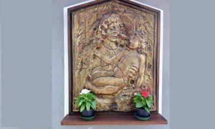 La nuova Madonna degli anziani:  Bruno Manenti scolpisce in via Cavour