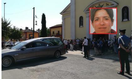 """L'ultimo saluto di Gradella a Morena: """"Bisogna combattere la violenza con la pace"""" FOTO"""