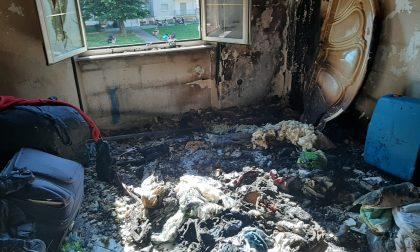 E' bastata una candela accesa: appartamento devastato FOTO