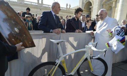 L'asta benefica del Papa per gli ospedali di Bergamo e Brescia convince gli sportivi