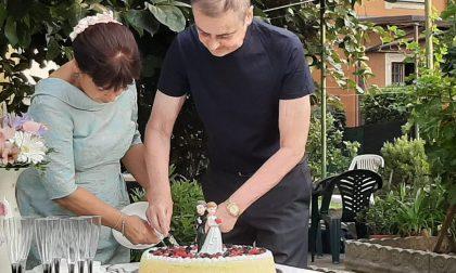 """Il """"sì"""" di Rodolfo e Loredana dopo un tumore e un mese di coma per Covid"""
