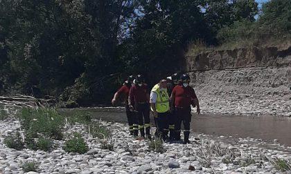 Tour in bici lungo il Serio: finisce nel fiume, donna ferita FOTO