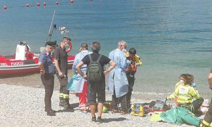 Tragedia al lago: 23enne muore dopo un bagno a Riva Bianca