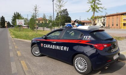 Nascondono droga, microspie e denaro in casa: 4 persone fermate dai carabinieri.