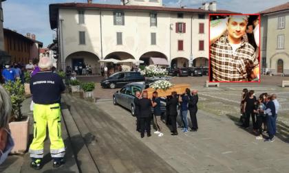 """L'addio ad Alex Gabbiadini: """"La morte entra prepotentemente nella nostra comunità"""" VIDEO FOTO"""