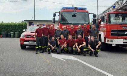 """In """"pensione"""" dopo 40 anni di servizio, i pompieri salutano il caposquadra Locatelli VIDEO"""