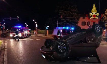 Scontro tra auto all'incrocio, ragazza ferita SIRENE DI NOTTE