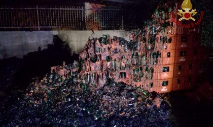 Incendio alla Fonti Prealpi, a fuoco il deposito FOTO
