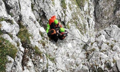 Cade sulla ferrata dell'Alben, arriva l'elicottero FOTO