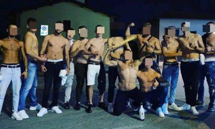 In mano bottiglie e mazze da baseball: centro preso d'assalto da una banda di ragazzi