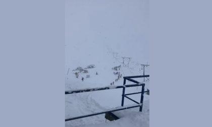 Freschino eh? Beh, sullo Stelvio ci sono già 40 cm di neve... VIDEO