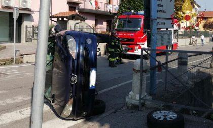 Schianto in via Dante, ferite tre donne FOTO