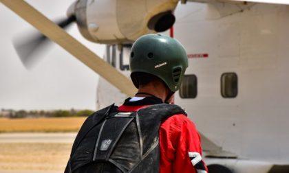 Precipita aereo, morti il pilota e un paracadutista