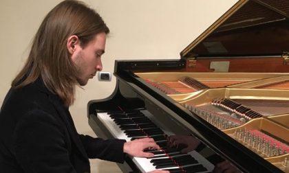 Daniele Guerra sul palco del 57esimo Festival Pianistico Internazionale Bergamo-Brescia