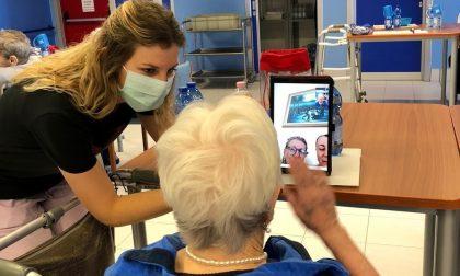 Rsa, sospese di nuovo le visite: Anni Sereni potenzia le videochiamate