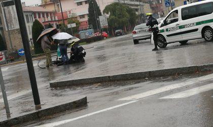 Ciclista investita in piazza Insurrezione