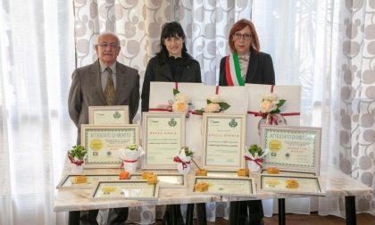 Il paese premia i suoi nonni centenari con la benemerenza cittadina FOTO