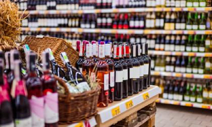 Dietrofront sulla vendita di alcolici nei supermercati: si potranno acquistare anche dopo le 18