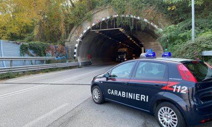 Ragazzino si perde nella galleria Montenegrone, salvato dai carabinieri