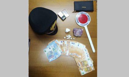 Mamma pusher arrestata dai carabinieri