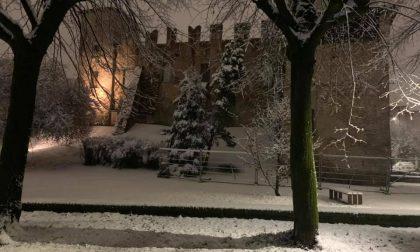 Maltempo, traffico in tilt: è polemica sul piano neve a Romano FOTO