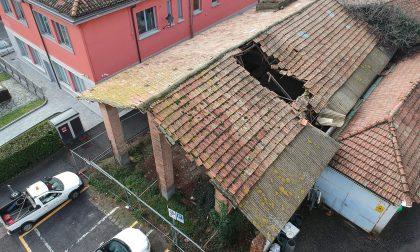 Crolla porzione di tetto, il vecchio cascinale verrà abbattuto