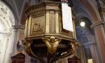 """Ripristinato l'angelo rubato dal pulpito, il parroco: """"Grazie ai volontari"""""""