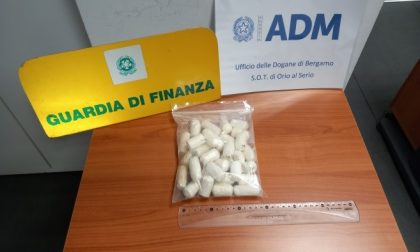 Ancora droga in aeroporto a Orio: 34 ovuli di cocaina purissima