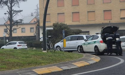 Ciclista investito in Largo Vittorio Emanuele II