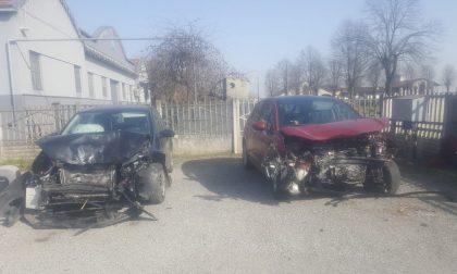Tremendo frontale a Pandino, coinvolti tre bambini grave una 11enne