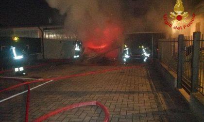 Brucia il tetto, al lavoro anche i Vigili del fuoco di Romano