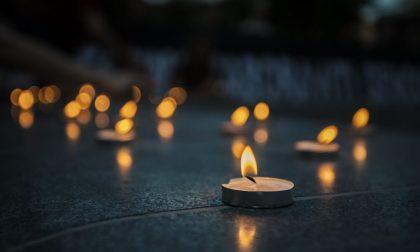 Un cero alla finestra per ricordare le vittime del Covid