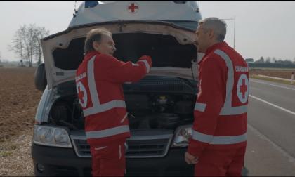 Roby e Francesco Facchinetti con il Vava per sostenere le Croce rossa