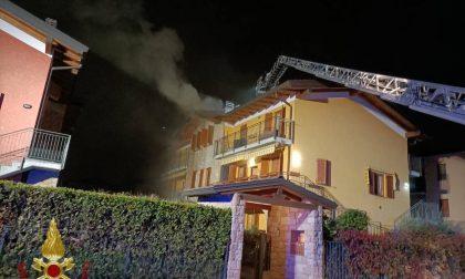 Spirano, tetto in fiamme in via Kennedy. Esplode una palazzina a Torre de'Roveri