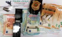 Fugge dalla Locale, in auto soldi e droga: denunciato
