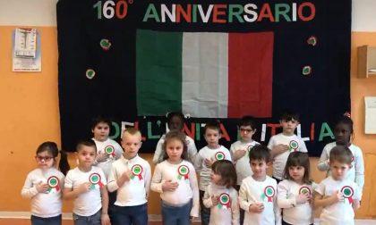 Il video dei bimbi della scuola dell'infanzia che cantano l'Inno di Mameli (tutto quanto)
