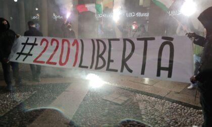 CasaPound in protesta a Bergamo contro il coprifuoco alle 22