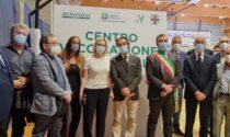 """Vaccini, Fontana a Bergamo: """"Poste sta funzionando alla perfezione"""""""