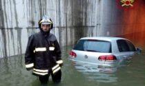 Il sottopasso di Brebemi si allaga e l'auto resta intrappolata