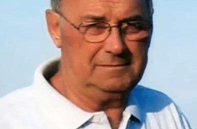 Bandiere a lutto a Osio Sotto: è morto l'ex sindaco Gabriele Rossi