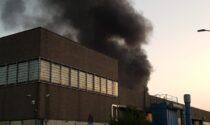 Incendio nella zona industriale caravaggina