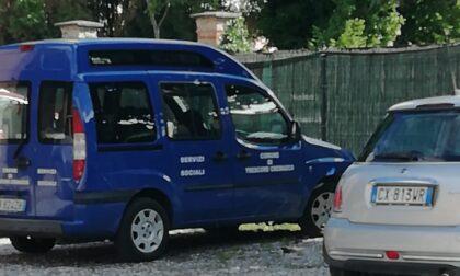 """Al bar col furgone del Comune, sindaco """"paparazzato"""""""