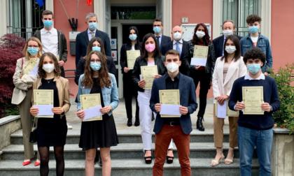 Borse di studio: a Cremosano premiati 13 studenti brillanti
