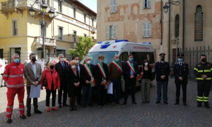 """Il """"Comitato di Treviglio e Gera d'Adda"""" dona una nuova ambulanza alla Croce rossa"""