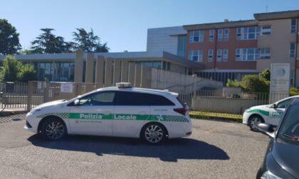 Precipita dal terzo piano della casa di riposo, muore 52enne